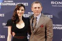 James Bond bude podruhé otcem! Craig s Weisz čekají ohlásili nového človíčka