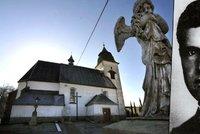 Umučeného pátera Toufara připomíná nová socha Olbrama Zoubka