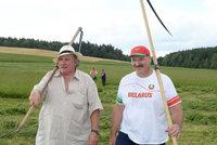 Komedie? Ne, realita! Depardieu se objevil na senoseči s běloruským prezidentem Lukašenkem