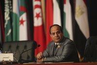 """Egypt dá Saúdské Arábii 2 ostrovy. Kritici: """"Prodal"""" je za pomoc"""