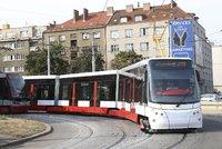 Z Dejvic na Šárku v sobotu nepojedou tramvaje: Nahradí je autobus X26