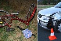 Tragická nehoda na Jičínsku: Auto smetlo tři cyklistky, zemřela i třetí z nich