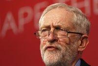 Politik bere čtyři miliony ročně. Teď Corbyn navrhl zavést Britům maximální mzdu