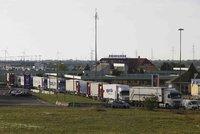 Tragická nehoda českého kamionu v Rakousku: Zahynul řidič a spolujezdec