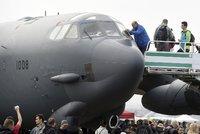 Na Dny NATO míří desítky tisíc lidí. Největším lákadlem je bombardér B-52