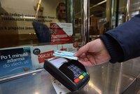 Pošta nabízí konečně možnost platby kartou. Zatím ovšem jen na třech pobočkách