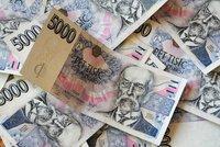 Praní špinavých peněz? Majitel malé směnárny za 15 let nanosil do banky více než 90 miliard!