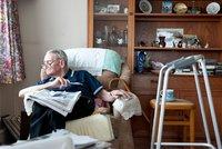 Invalida bezmocně žil s mrtvou matkou. Kdo lidem jako je on pomůže?