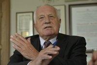 Klaus: Sobotka by měl vyhlásit referendum o uprchlících. Češi by kvóty odmítli