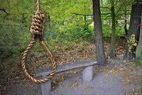 Na stromě u hřbitova našli oběšence: Zabil se Martin (†35) kvůli rodinným problémům?