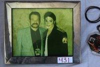 Zemřel dermatolog Michaela Jacksona: Byl údajným otcem zpěvákových dětí