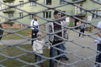 Bojíme se uprchlíků, bědují obyvatelé poblíž táborů. Bují tam kriminalita?