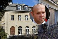 Exekutoři rozhodli: Opuštěná Krejčířova vila jde do dražby! Jenže luxusní dům zatím zchátral…