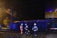 Vlaková nehoda u Prahy: V Dřísech se převrátil vagon s naftou