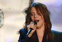 Je zpěvačka Aneta Langerová opravdu těhotná? V přímém televizním přenosu se čekalo na odpověď!