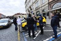 Velká policejní akce v Praze: Na Staromáku se zatýkali nepoctiví taxikáři