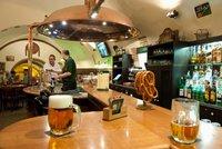 """Kdo nepije pivo, není Čech? """"Superpivaři"""" dávají běžně 7 litrů za týden"""