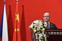 """""""Kopal"""" Sobotka v Číně za CEFC? Cesta byla soukromá, tvrdí expremiér"""