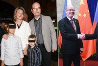 Sobotkova rodina si udělala výlet do Číny. S premiérem tam byly i děti