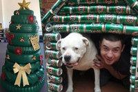 Australské Vánoce: Stromečky staví z plechovek od piva i nabarvených pneumatik