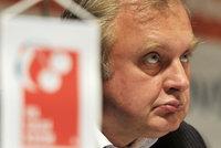 Ransdorf je venku a na sociální síti komentuje bílení miliardového konta