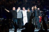 Rockeři se vrací do Paříže. Dokončí koncert, při kterém zaútočili teroristé