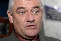 Kontroverzní slovenský politik Slota boural, zřejmě před nehodou pil alkohol