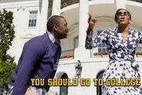 Rapující Obamová: Chcete létat tryskáčem? Běžte na vysokou