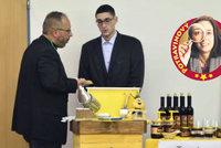 Svaz včelařů potvrdil: Včelpo neprodávalo český med! Antibiotika přišla z Ukrajiny!