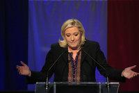 Le Penová propadla v celé Francii. Vyhrál Sarkozy, druzí jsou socialisté