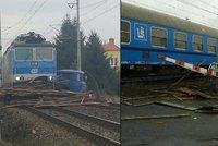 Další náklaďák na přejezdu: Na Nymbursku se srazil osobní vlak s plně naloženou avií