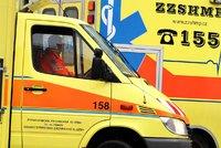 Řidič na Litoměřicku nezvládl řízení a vyjel mimo vozovku! Pět lidí je zraněno