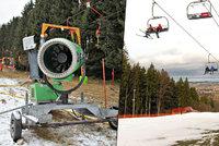 Vlekaři proklínají letošní zimu. V Beskydech krachuje první skiareál