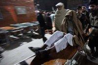 Silné zemětřesení v Afghánistánu si vyžádalo desítky raněných