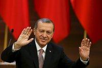 Erdogan se plácá po ramenou: Turecko nepřekonáte. Zabili jsme 3000 členů ISIS