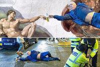 Jako od Michelangela! Fotka silvestrovského opilce pobláznila internet