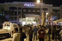 Češi unikli v Egyptě smrti. Ozbrojenci stříleli na turisty přímo v letovisku