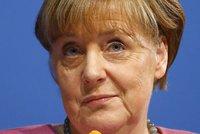 """""""Tvrdý úder,"""" konstatovala Merkelová po osahávání Němek uprchlíky o Silvestru"""