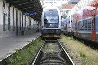Muž a žena ukradli ve vlaku půl milionu: Policie je dopadla v Ostravě