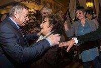 Oslava 65. narozenin chlebíčkového krále: Bohdalová řádila jako zamlada!