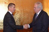 Zeman nezahálí: Jen zamával čínskému prezidentovi, už podepsal spornou EET