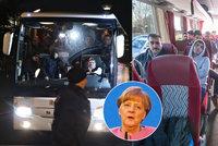Nechtění uprchlíci z autobusu pro Merkelovou: Nedali jim byty, vrací se zpět