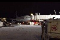 """""""Myslel jsem, že se zřítíme,"""" ohromné turbulence zranily sedm cestujících"""