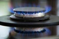 Cena plynu klesá, ale...! Dodavatelé si k ceně přirážejí až 140 procent!