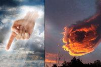 """Boží pěst nebo začátek apokalypsy? """"Byl jsem jako očarovaný,"""" říká fotograf"""