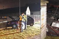 Matka chtěla s malými dětmi (2 a 4) spáchat sebevraždu: Vybourala se v autě!