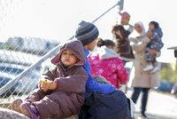 Rakouský kancléř: Frontex by měl posílat uprchlíky z Řecka zpět do Turecka