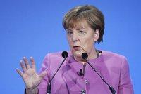 Merkelová po útocích migrantů balí kufry. Čeká ji perných 90 minut dotazů