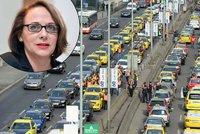 Blokování Prahy vám nepomůže, spíš naopak, vzkazuje primátorka taxikářům. Stávkovat budou už ve čtvrtek