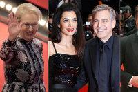 Meryl Streep zahájila 66. Berlinale! Fanoušky okouzlil i George Clooney s manželkou Amal